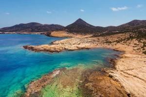 Απίστευτο: Αυτό είναι το ακατοίκητο νησί των Κυκλάδων με τις ομορφότερες παραλίες!