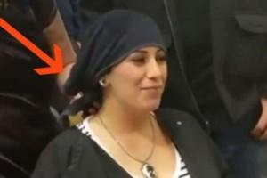 Έγκυος πάει στο κομμωτήριο για να βάψει τα μαλλιά της - Όμως όταν η κομμώτρια της βγάζει την πετσέτα... (video)