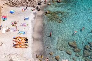 4+1 ελληνικές παραλίες με καταγάλανα νερά!