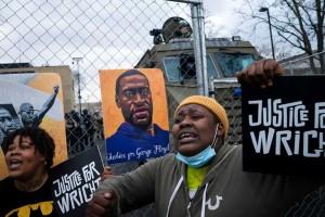 Τζορτζ Φλόιντ: Ένοχος για όλες τις κατηγορίες ο αστυνομικός που τον σκότωσε
