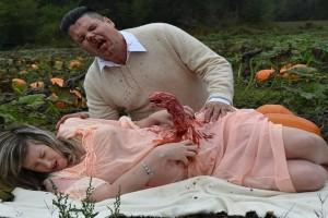 Έγκυος γυναίκα «γέννησε» εξωγήινο τέρας στην πιο τρομακτική φωτογράφηση εγκυμοσύνης