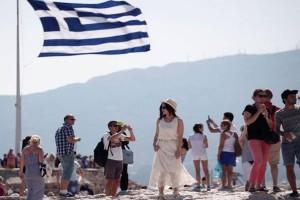 """""""Η Ελλάδα προχωρά μόνη μπροστά..."""": Ο γερμανικός Τύπος για τον τουρισμό"""