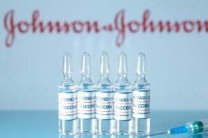 Οριστικό: Αποφασίζεται άμεσα το αν θα εμβολιαστούμε με Johnson & Johnson