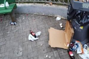 """Κορωνοπάρτι στην πλατεία Αγίου Γεωργίου - Στις 6:00 αποχώρησαν οι τελευταίοι """"καλεσμένοι"""""""