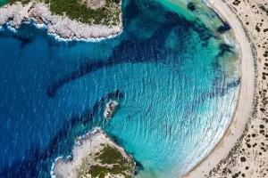 9+1 κορυφαίες παραλίες της Πελοποννήσου