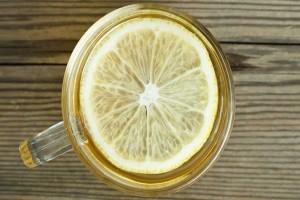 Πίνετε ζεστό νερό με λεμόνι το πρωί - Τότε αυτά τα 7 πράγματα θα συμβούν