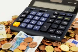 Νέα οικονομικά μέτρα για το Μάιο: Αλλαγές και στο επίδομα των 534 ευρώ