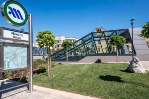 Νίκαια: Ο «Επιτάφιος» του χαράκτη Τάσσου κοσμεί το μετρό