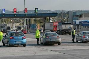 Κορωνοϊός: Πάσχα στην πόλη και αυστηροί έλεγχοι στα διόδια - Το σχέδιο της Αστυνομίας