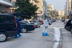 Έγκλημα στο κέντρο της Θεσσαλονίκης: 71χρονος βρέθηκε μαχαιρωμένος στο διαμέρισμά του (photo)