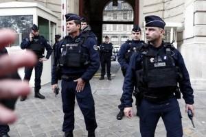 Συναγερμός στη Γαλλία: Πυροβολισμοί στο Παρίσι και τραυματισμός μιας 10χρονης