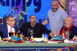 Γενέθλια για το «Ράδιο Αρβύλα»: Έσβησε τούρτα για τα 13 του χρόνια μέσα σε συγκίνηση