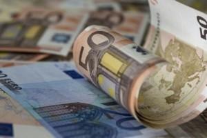 «Βρέχει» λεφτά! Μπαίνουν συντάξεις, αποζημίωση ειδικού σκοπού και επιδόματα ανεργίας - Όλες οι πληρωμές ως 23 Απριλίου