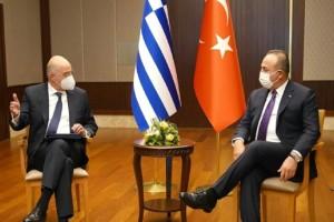 Ελληνοτουρκικά: Σύγκρουση Δένδια-Τσαβούσογλου μπροστά στις κάμερες - Αρπάχτηκαν στις κοινές δηλώσεις