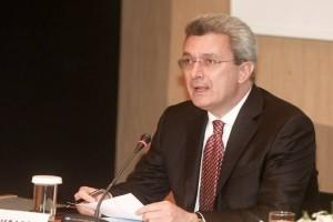 Πλάνταξε στο κλάμα ο Νίκος Χατζηνικολάου - Συγκλονισμένος ο δημοσιογράφος