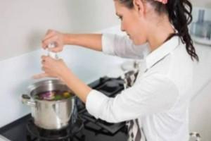 Εσείς το αλάτι το προσθέτετε στην αρχή ή στο τέλος του μαγειρέματος; Έχει πολύ μεγάλη διαφορά!