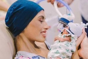 18χρονη έγκυος γυναίκα διαγνώστηκε με επιθετική λευχαιμία και αποφάσισε να ζήσει το μωρό της και να πεθάνει η ίδια