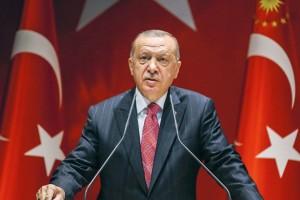 """Ερντογάν: Σε ρόλο """"αρνάκι"""" καλεί τους Έλληνες να επιστρέψουν στην Κωνσταντινούπολη μετά το διωγμό"""