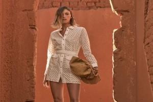 ZARA: Αυτο το φόρεμα αξίζει να το κάνεις δικό σου