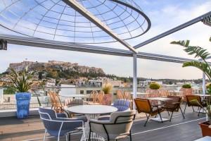6+1: Τα καλύτερα wine bar της Αθήνας και το Manouka ένα new entry με μαγική θέα την Ακρόπολη και το Λυκαβηττό