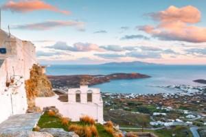 20 ευρώ την μέρα αρκούν: Το ελληνικό νησί που έγινε ο Νο1 προορισμός φοιτητών και νεολαίας