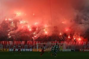 Χαμός στην Ακρόπολη: «Ντου» 500 οπαδών του Ολυμπιακού στον ιερό βράχο!
