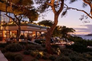 10+3: Τα καλύτερα εστιατόρια της Αθήνας για όλα τα γούστα