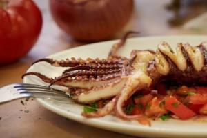 9+1: Οι καλύτερες ψαροταβέρνες που θα φάτε φρέσκο ψάρι και θα περάσετε καλά