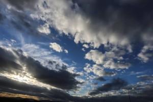 Πτώση της θερμοκρασίας και ενισχυμένοι βοριάδες την Κυριακή - Ο καιρός σε Αθήνα και Θεσσαλονίκη