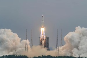 """""""Κάπου στη Γη"""" αναμένεται να πέσει κινέζικος πύραυλος μέσα στις επόμενες ώρες! Παγκόσμιος συναγερμός"""