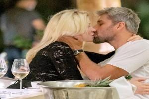Survivor 4: «Καυτά» φιλιά Αλέξη Παππά και Alessia σε εστιατόριο (Video)