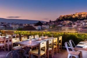 """4+1: Υπέροχα μαγαζιά στο κέντρο της Αθήνας με θέα την Ακρόπολη και μια """"μυστική"""" αυλή για λίγους!"""