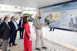 Εγκαίνια στην υπαίθρια έκθεση αφιερωμένη στα 200 χρόνια από την κήρυξη της Επανάστασης στην Κρήτη με τη παρουσία της προέδρου της Επιτροπής «Ελλάδα 2021»