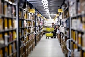 Πού πάνε όλα εκείνα τα προϊόντα τα οποία δεν καταφέρνει να πουλήσει η Amazon - Τί πρέπει να προσέχουμε στις ηλεκτρονικές αγορές από 1η Ιουλίου