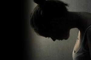 Κορωνοϊός: Τα περιοριστικά μέτρα εκτόξευσαν τις απόπειρες αυτοκτονίας σε εφήβους 12-17 ετών – Τι έδειξαν αποτελέσματα μελέτης για τα κορίτσια