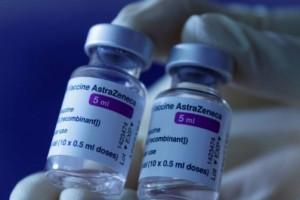 Εμβόλιο AstraZeneca: Η τελική απόφαση της επιτροπής για τους κάτω των 60 - Τι θα γίνει με όσους έκαναν την πρώτη δόση