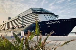 Οι τουρίστες ήρθαν αλλά δεν αφήνουν ούτε ευρώ - Τι συμβαίνει με τους 1.300 επιβάτες κρουαζιερόπλοιου