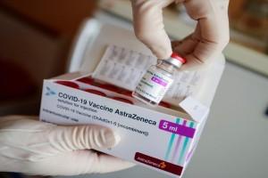 Πανικός με το εμβόλιο της Astrazeneca