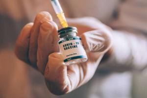 Κορωνοϊός: Χωρίς μάσκα οι εμβολιασμένοι από 1η Ιουλίου! Ποια είναι τα υπόλοιπα προνόμια;