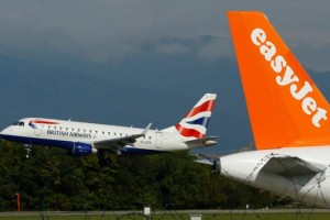 Αεροπορικές εταιρείες κατά Τζόνσον: Τί ζητούν για εμβολιασμένους - Ποιοι είναι στην «πράσινη λίστα»