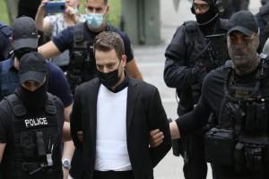 Γλυκά Νερά: «Να σαπίσεις στην φυλακή ρε κ@ρι@λ@» - Οργή πολιτών για τον συζυγοκτόνο της Καρολάιν - Αστακός η Ευελπίδων (Video)