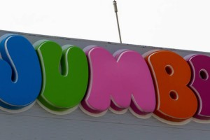 Πανικός στα Jumbo: Τα προϊόντα που βάζει κοντά στο 1 ευρώ!