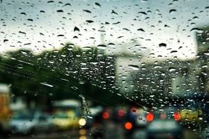 Ο καιρός τρελάθηκε: Βροχές και καταιγίδες σήμερα, έρχονται 40άρια από βδομάδα – Τι λέει ο Γιάννης Καλλιάνος