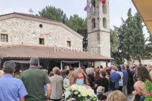 Θεσσαλονίκη: Σπάραξαν καρδιές στην κηδεία της 14χρονης - Η τραγική ιστορία πίσω από το θάνατό της