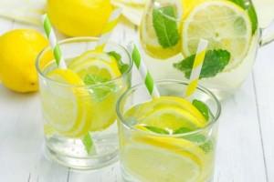 Πότε το στυμμένο λεμόνι κάνει κακό στην υγεία μας!
