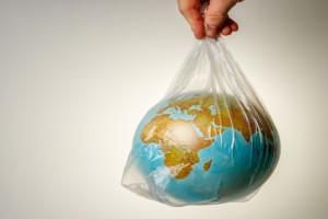 Μείωση των πλαστικών για πρώτη φορά μετά από 13 χρόνια εξαιτίας κορωνοϊού - Ποια καταργούνται τον Ιούλιο του 2021