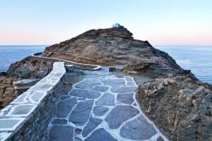 Το νησί του Αιγαίου που αποτελεί τον πιο hot καλοκαιρινό προορισμό - Γραφικό και οικονομικό!
