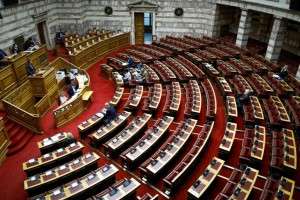 Βουλή: Ψηφίσθηκε επί της Αρχής το νομοσχέδιο για την απλούστευση αδειοδότησης επιχειρήσεων