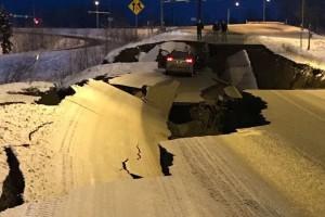 Αλάσκα: Σοκαριστικά βίντεο από τον σεισμό 8,2 Ρίχτερ