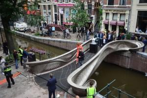 Άμστερνταμ: Η πρώτη ατσάλινη γέφυρα από τρισδιάστατο εκτυπωτή είναι γεγονός!